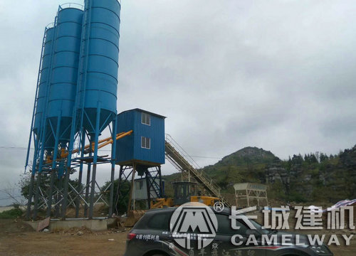 90搅拌站是多大的容量,90型混凝土拌合站产能