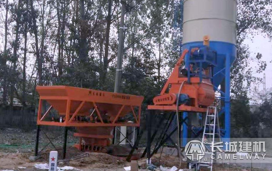 JS500小型混凝土搅拌机现场